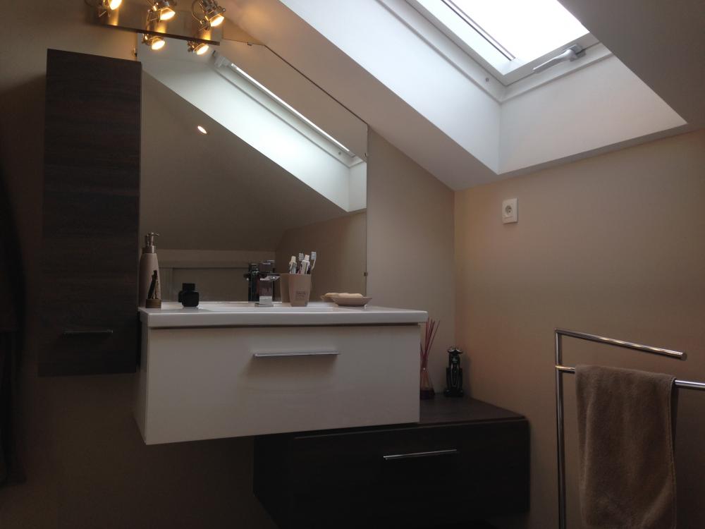 Salle de bains am nagement de combles harnois for Amenagement des combles en chambre